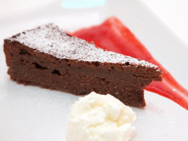 gluteeniton suklaakakku Ylivieska